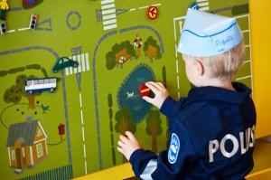 Poliisimuseossa saa leikkiä.