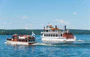 Laivalla pääsee muun muassa Vääksyn kanavalle ja Enonsaareen.