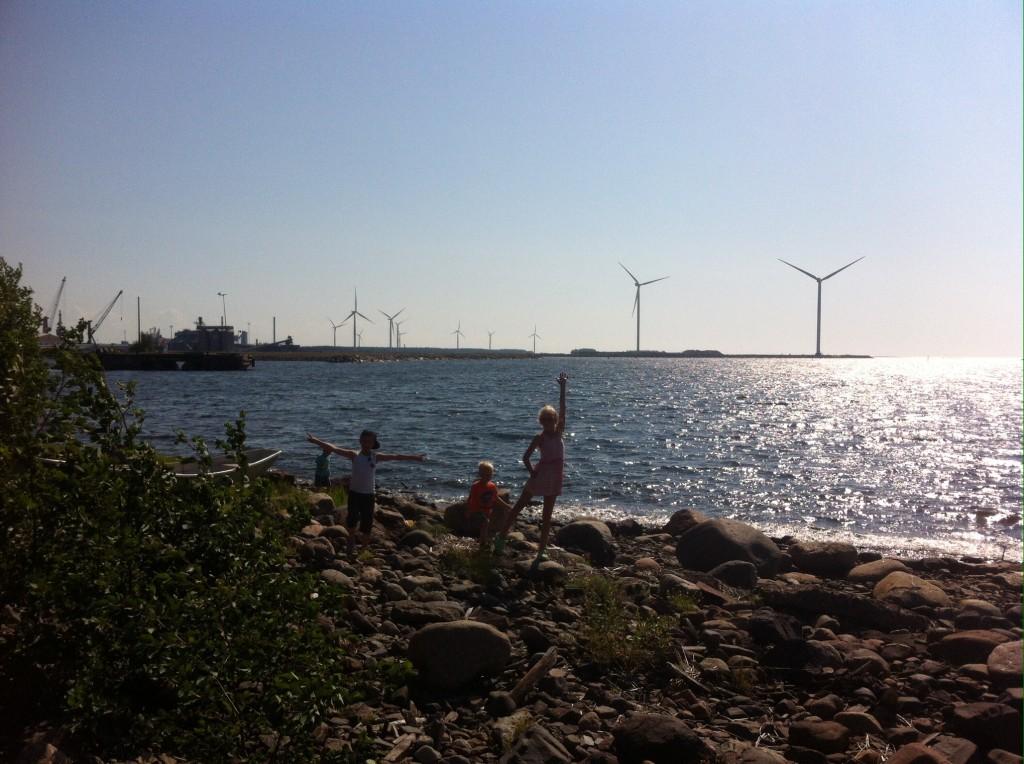 Raahessa rantaa ihmettelemässä. Kuva: Lotta Brännkärr