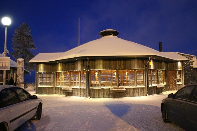 Riihivuoren uusi ja upea kota on karavaanareiden ja Hotelli Vuorikelon asiakkaiden vapaassa käytössä.