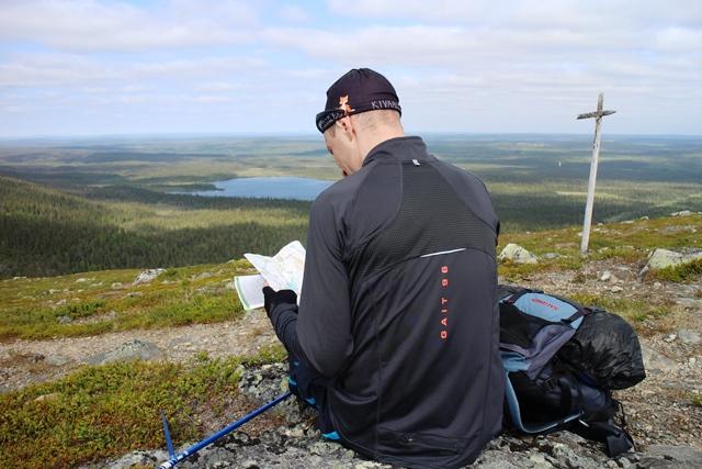 Kartta on vaeltajan kaveri. Kuva: KivaaTekemistä.fi