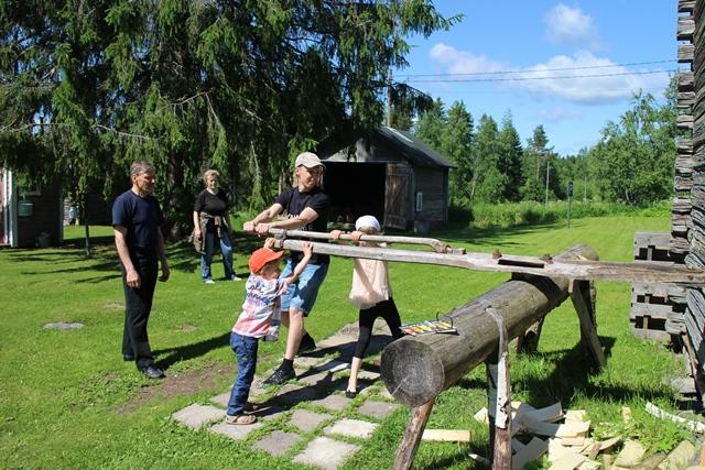 Miesvetoinen pärehöylä. Kuva: KivaaTekemistä.fi