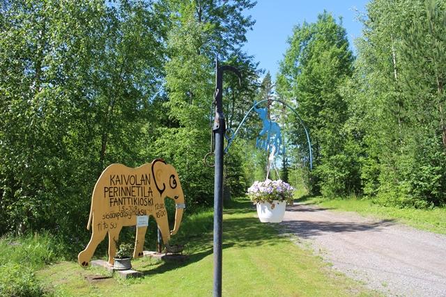 Kaivola sijaitsee aivan Nastolan kupeessa Valtatie 12:n eteläpuolella. Kuva: KivaaTekemistä.fi
