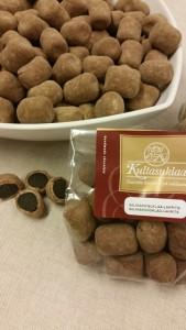 Kultasuklaan uutuuksia: Suklaasalmiakkilakut.