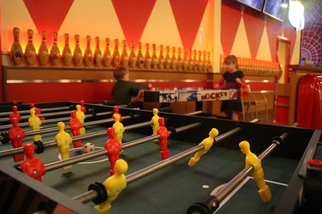 Revontuli Bowling Diner. Kuva: KivaaTekemistä.fi