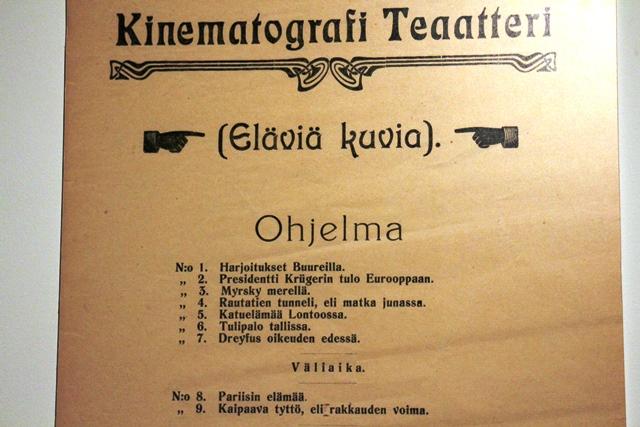 J.A.W. Grönroosin teatterin ohjelmistoa 1900-luvun alussa. Kuva: KivaaTekemistä.fi
