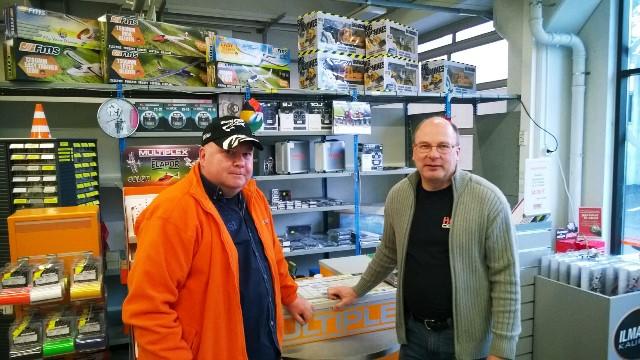 Hobby Centerin yrittäjät Ari Suomi (vas.) ja Harri Oksanen. Kuva: KivaaTekemistä.fi